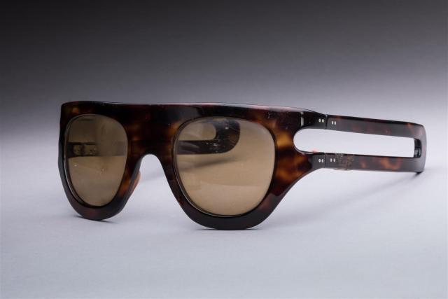 4ca28b6aee Philippe CHEVALLIER pour LANVIN circa 1965 Paire de lunettes de soleil.