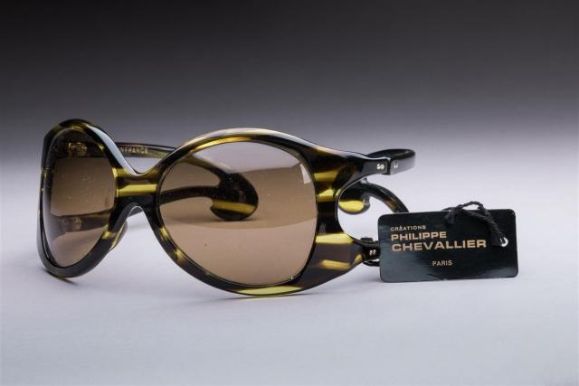 b823cc0a08 Philippe CHEVALLIER circa 1970 Lot de deux paires de lunettes de.